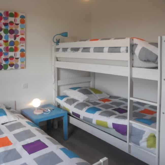 La chambre pour 3 enfants à la villa Mogueriec