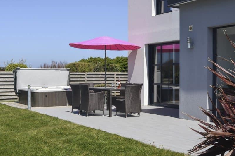 La terrasse de la villa Yana en Bretagne